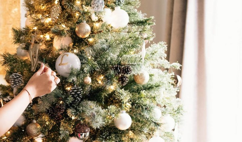 25 Memorable Christmas Traditions to Start with Your Family